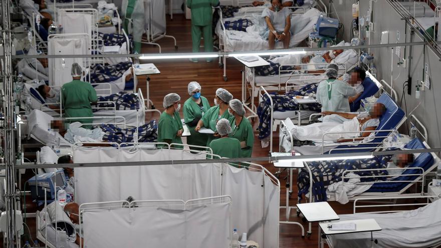 Brasil supera las 430.000 muertes y camina hacia los 15,5 millones de casos
