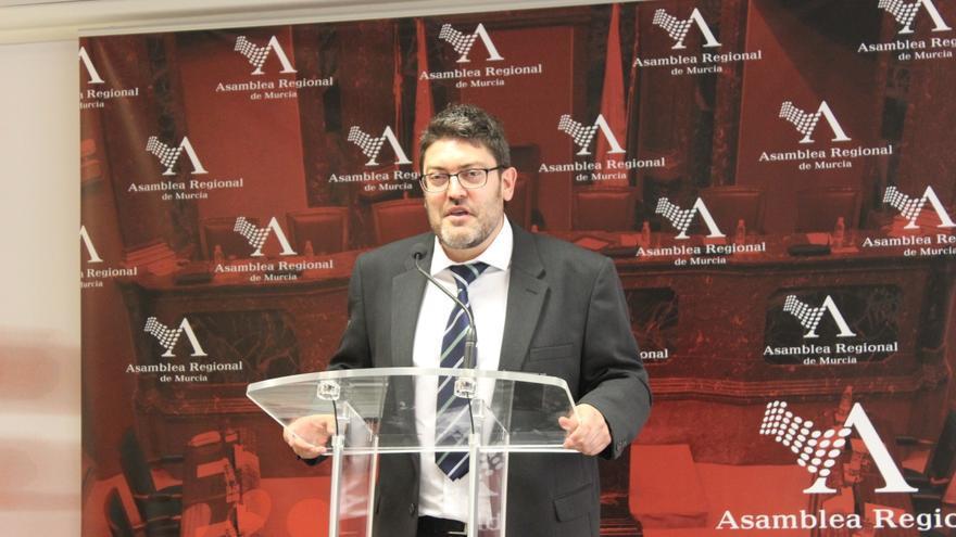 Miguel Sánchez ha confesado que los diputados de su grupo de autodenominan 'Los cuatro mosqueteros' / PSS