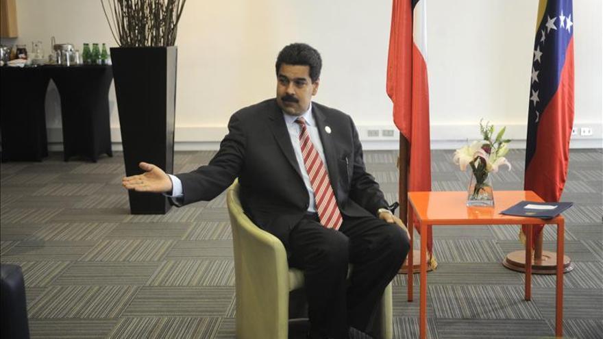 """Maduro leerá a los presidentes una carta firmada por Chávez """"con tinta roja"""""""