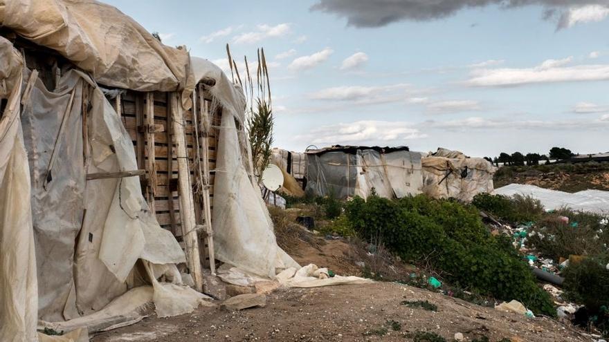 """Adelante urge """"duchas y aseos portátiles"""" en asentamientos y afea """"inacción"""" de administraciones"""