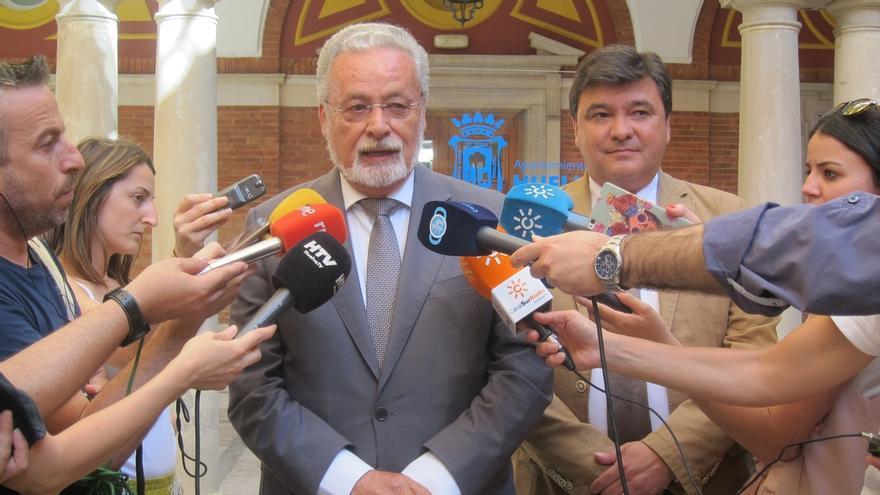 Defensor actúa de oficio interesándose por los sistemas de videovigilancia para los detenidos en calabozos municipales