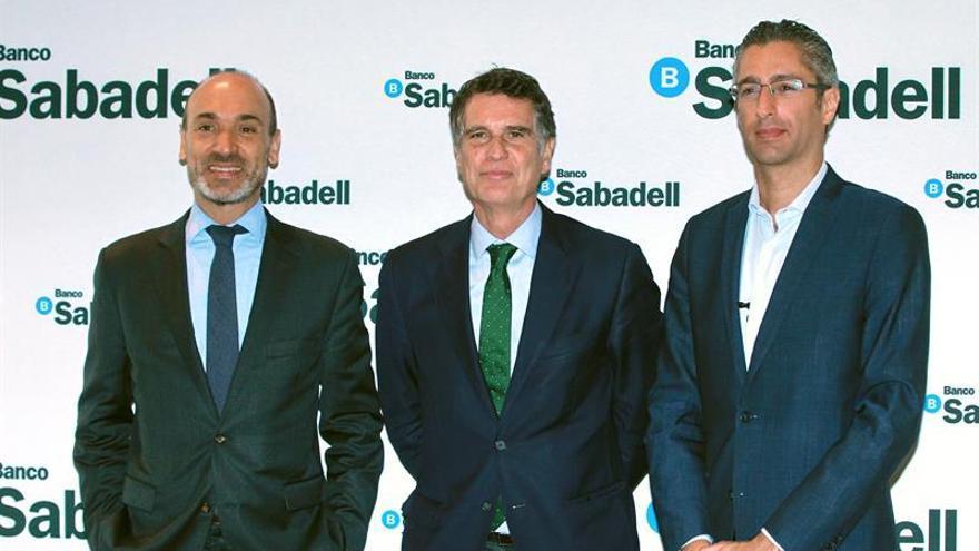 """Banco Sabadell confía en que crisis catalana sea sólo un """"shock transitorio"""""""