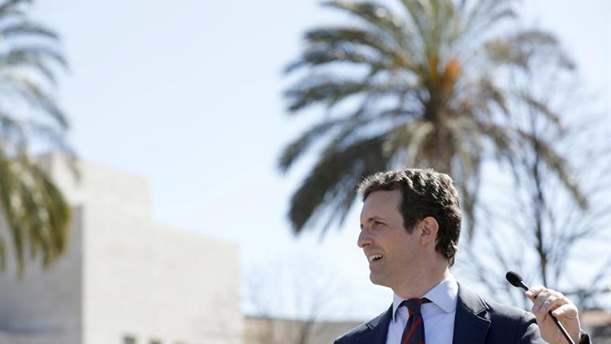 Casado dice que no se puede seguir descentralizando España