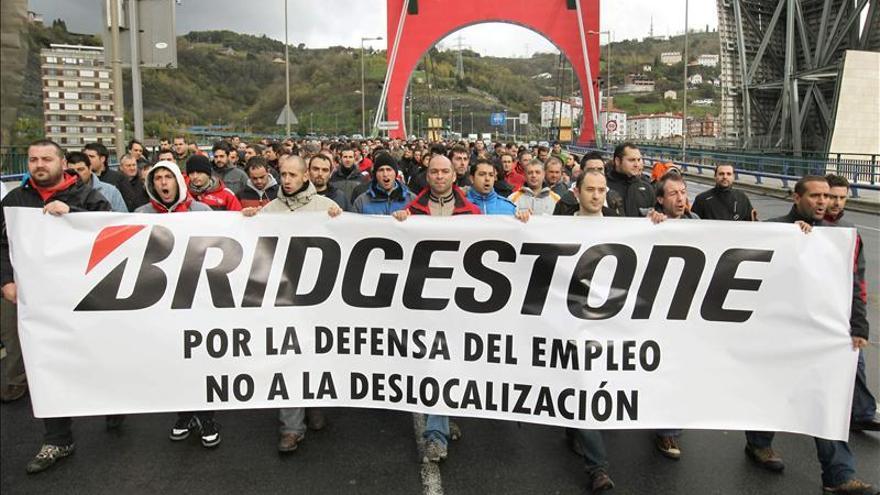 """El comité tacha de """"insulto a los trabajadores"""" la propuesta de Bridgestone"""