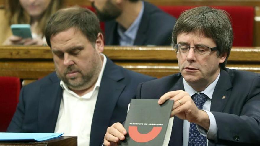 """Puigdemont exige Rajoy diálogo sin condiciones y no una operación de """"propaganda"""""""