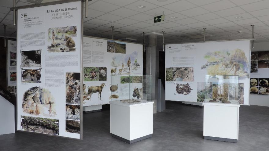 Aspecto parcial de la sala de exposición del Parque Arqueológico del Tendal (Foto Jorge Pais).