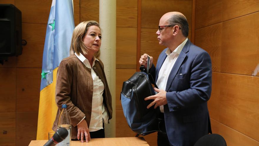 La diputada Ana Oramas y el secretario general de Coalición Canaria, José Miguel Barragán.