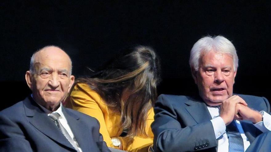 """Felipe González alaba en Marruecos la """"integridad territorial"""" con el Sahara"""