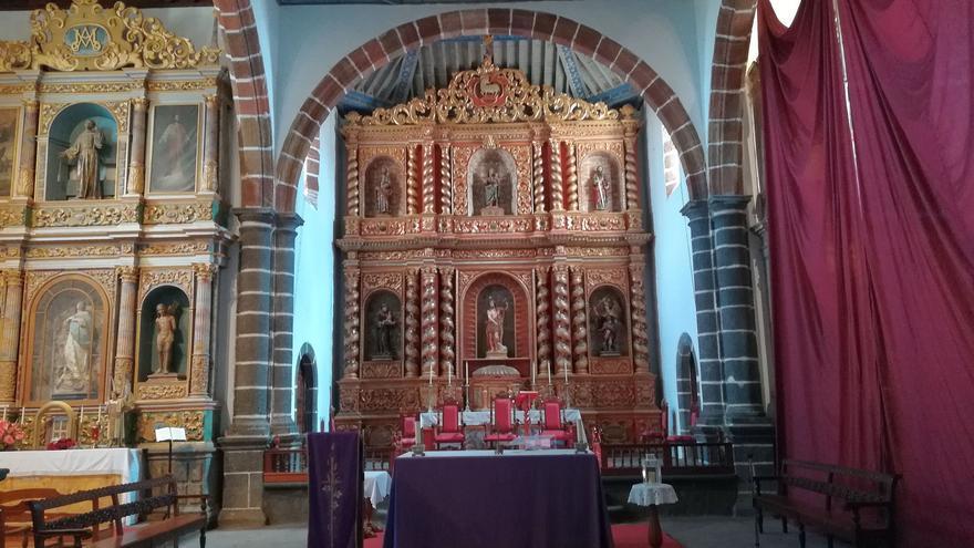 Retablos barrocos de la iglesia de San Juan de Puntallana.