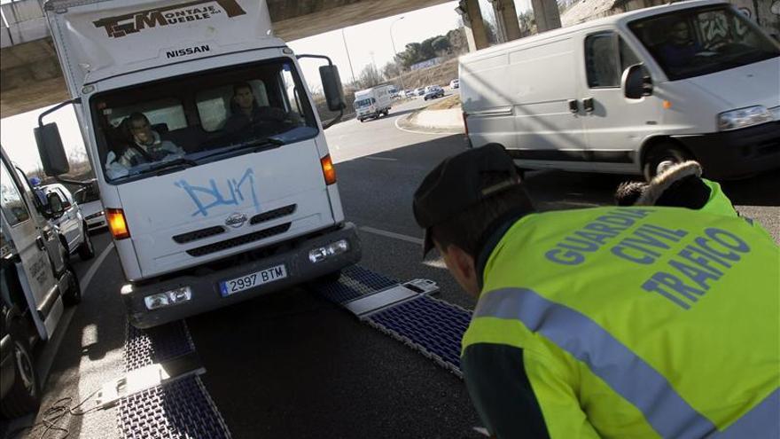 Más de 5.500 multas a camiones y furgonetas en una semana de campaña especial