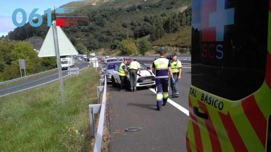 Dos heridos en un accidente en la A-8 a la altura de Mioño