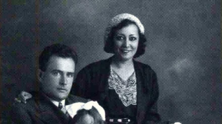 La familia Leret al completo: Virgilio y Carlota O'Neill junto a sus hijas Carlota y Mariela / Carlota Leret