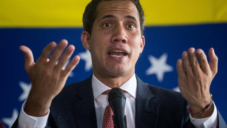 Guaidó solicitará a Chile que facilite el ingreso de migrantes venezolanos