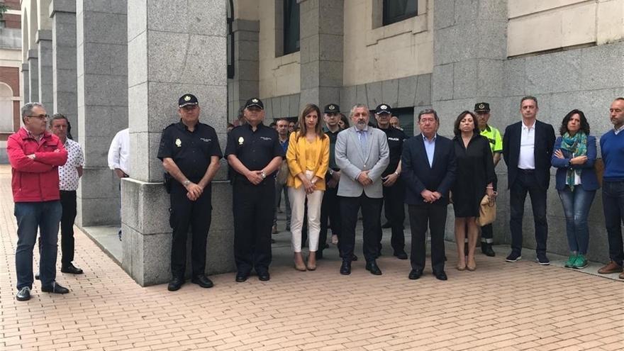 Protesta por el crimen de salas frente Subdelegación del Gobierno en Burgos