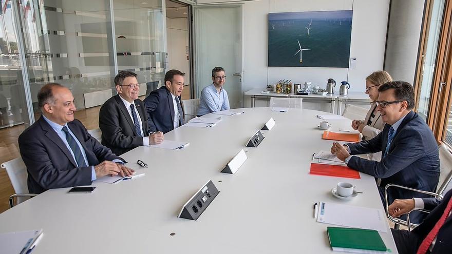 El president Ximo Puig, Joan Calabuig y Manuel Illueca en la reunión mantenida con Román Escolano, vicepresidente del BEI