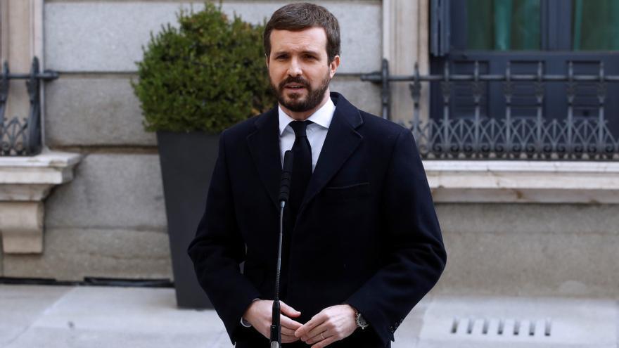 Casado acusa al Gobierno de esconder al rey por sus socios independentistas