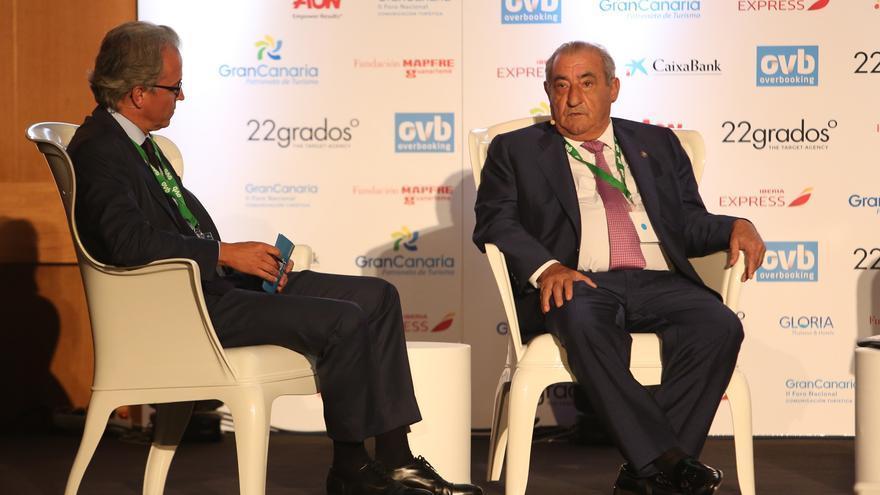 El presidente del grupo turístico Globalia (a la derecha), Juan José Hidalgo.
