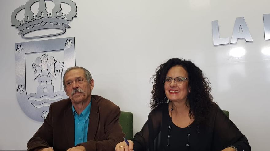 Luis Vicente Martín, presidente de Ader La Palma, y NIeves Rosa Arroyo, consejera insular de Servicios y Cambio Climático.