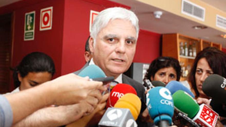José Miguel Pérez, este lunes tras el cónclave socialista.