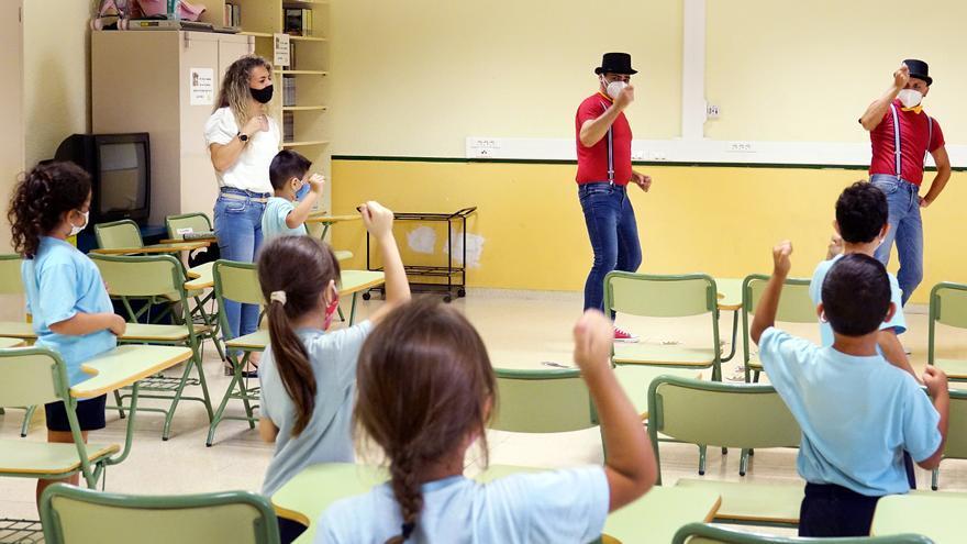 Santa Cruz de Tenerife utiliza el teatro para llevar a los colegios los protocolos contra el coronavirus