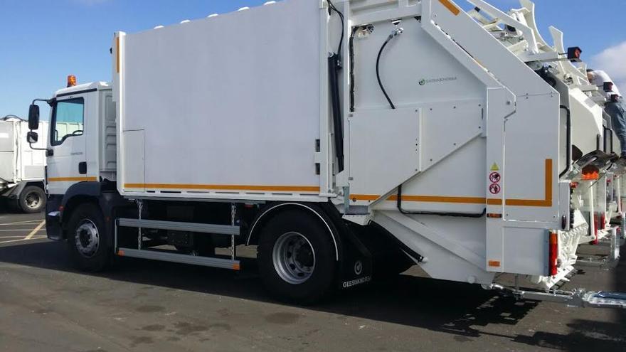 En la imagen, uno de los dos nuevos camiones del Consorcio de Servicios de La Palma.