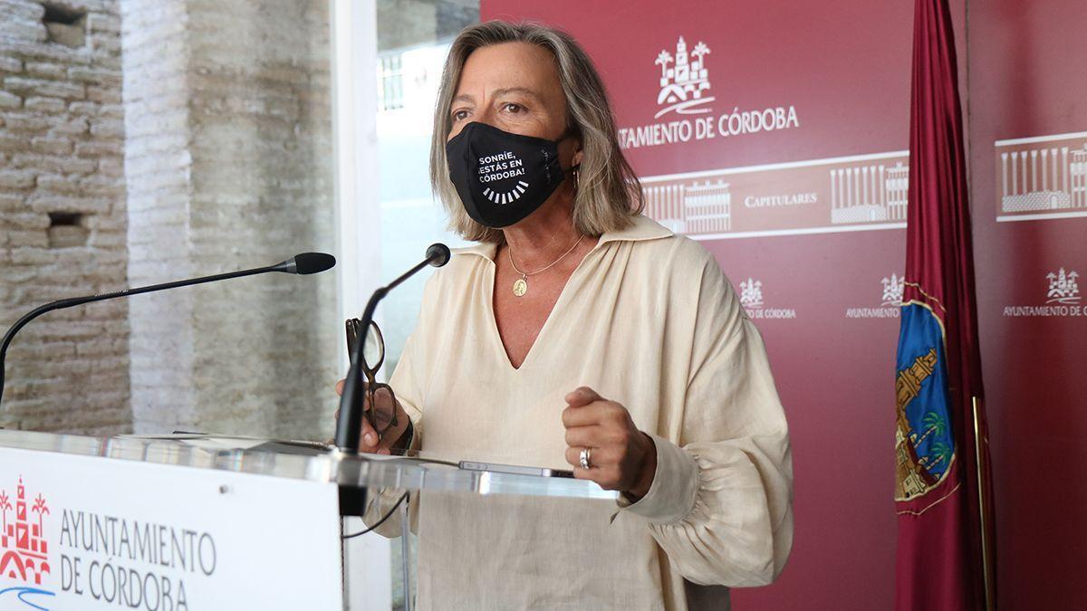 Isabel Albás, en rueda de prensa.