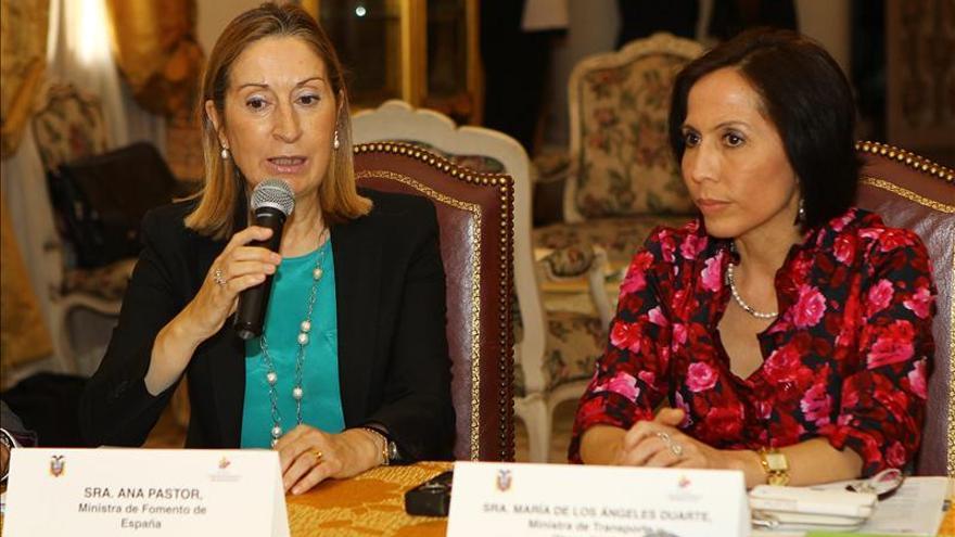 """España y Ecuador trazan una """"hoja de ruta"""" de colaboración en infraestructuras"""