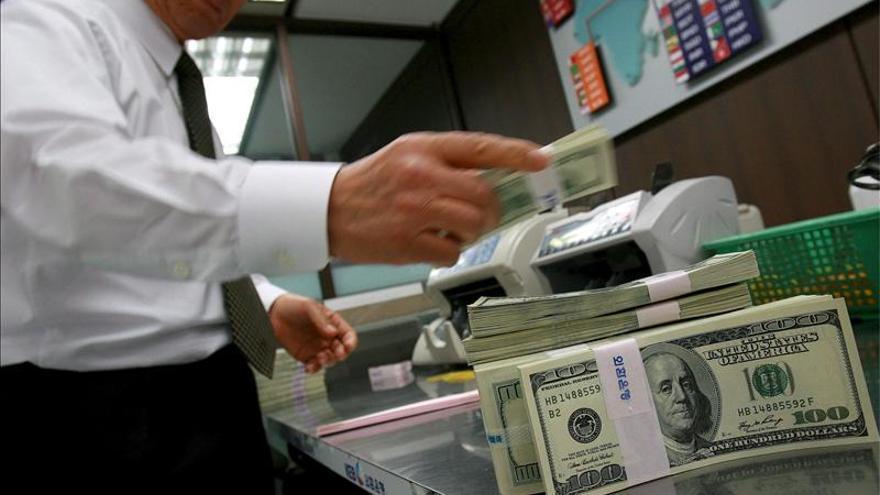 El euro sube en la apertura a 1,3299 dólares en Fráncfort