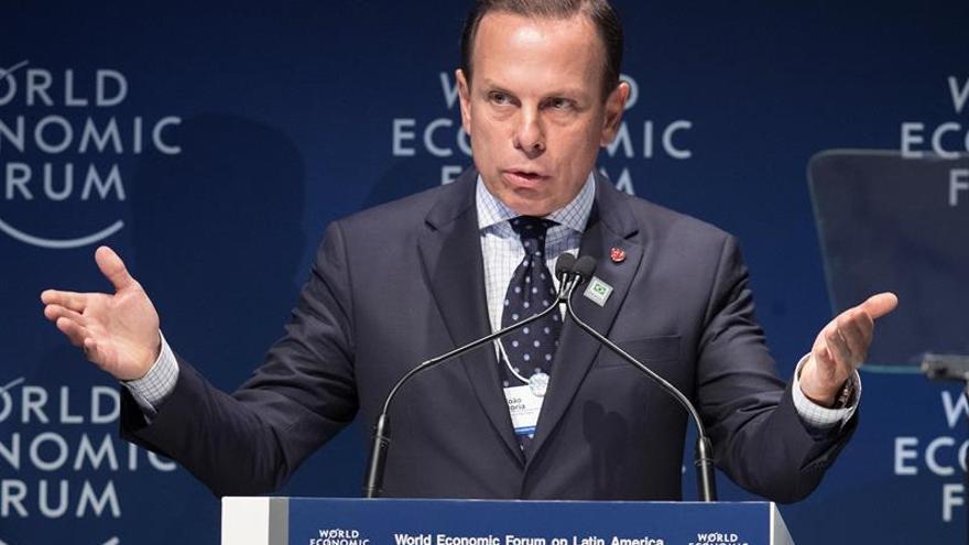 Los gobernadores brasileños asumen sus mandatos con mensajes de apoyo a Bolsonaro