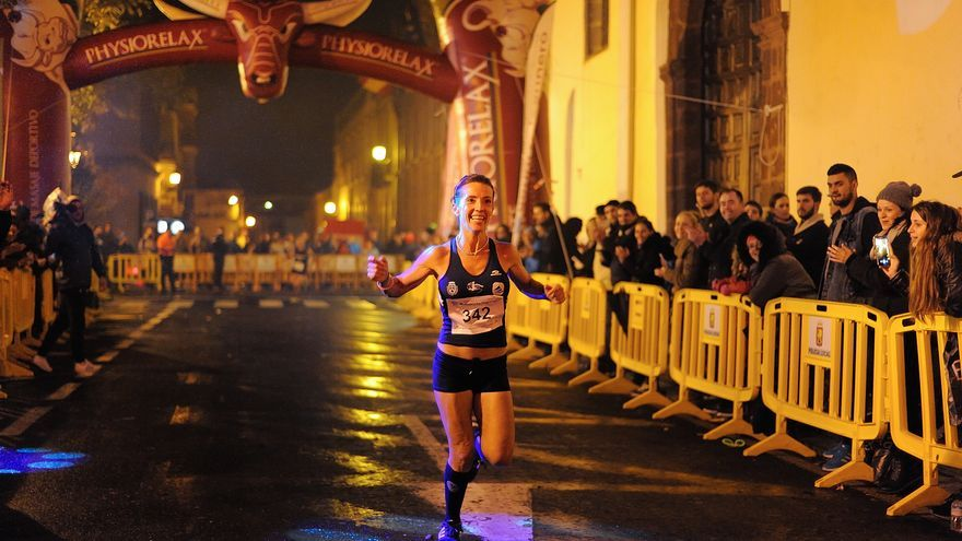 Teresa Linares entra vencedora en una edición pasada