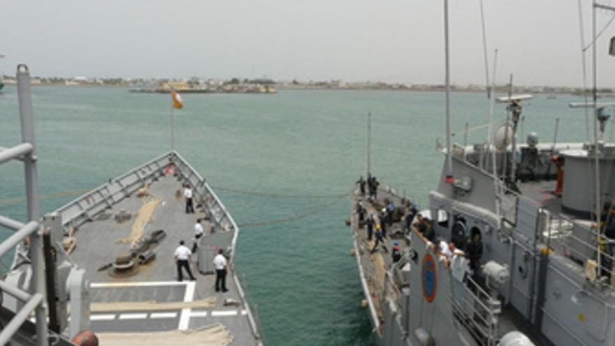 Fragata 'Victoria' releva a la fragata 'Infanta Cristina'