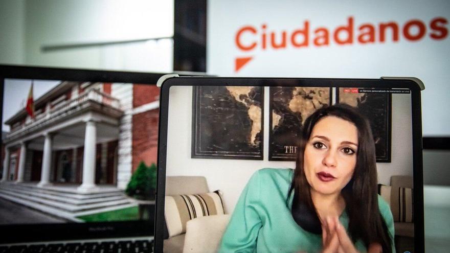 Arrimadas urge a Sánchez a dar contenido a los pactos y pide que no venzan las ideas de Podemos