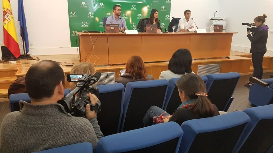 La Junta presenta el Anuario 2015 de intervenciones en fosas comunes del franquismo en Andalucía
