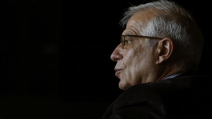 Borrell aboga por financiar las pensiones con impuestos para salvarlas