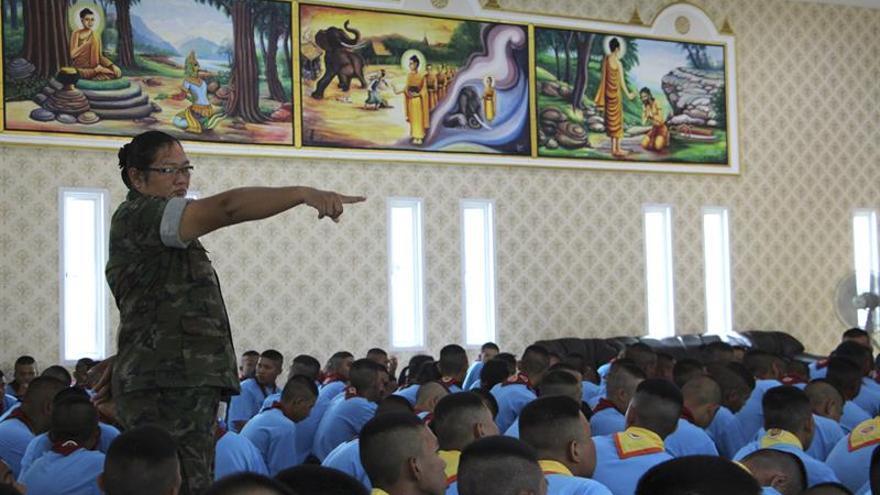 Disciplina castrense para combatir la violencia en las escuelas de Tailandia