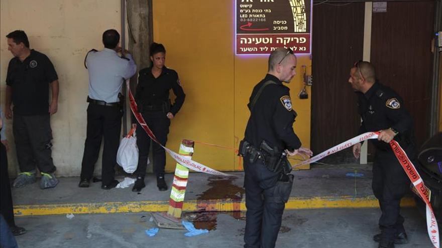 Cuatro personas heridas, incluida una adolescente, en un apuñalamiento en Israel