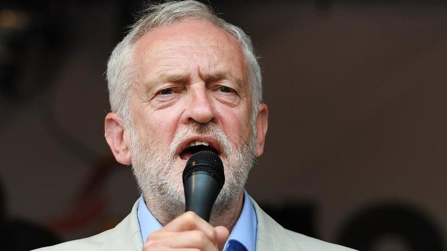 """Corbyn acusa al Gobierno de aumentar la brecha entre """"ricos y pobres"""""""