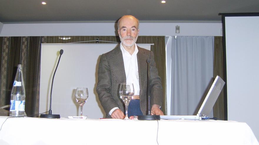 El profesor Mauro Barreto es investigador de la fenomenología mediúmnica.