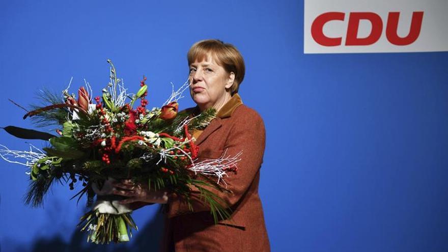 Merkel afirma que no todos los refugiados se quedarán y garantiza evaluación