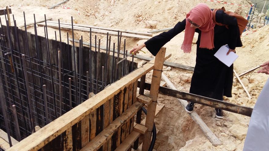 Una de las mujeres que supervisó la construcción