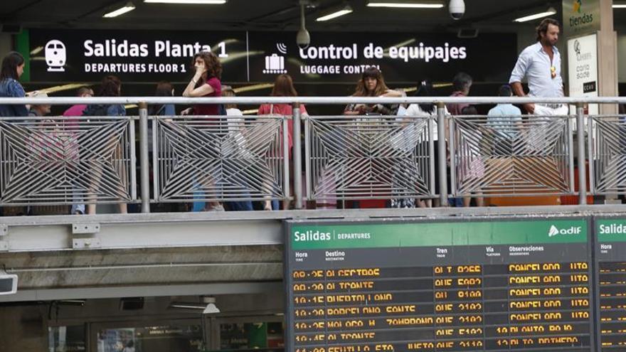 Retrasos y trenes más llenos por la huelga de Renfe en Madrid y Valencia