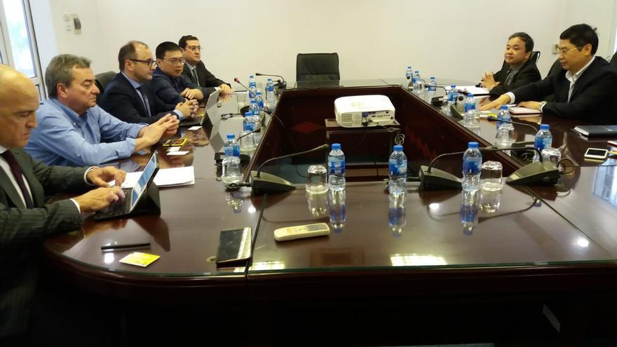 Reunión del director del Info con los responsables técnicos del Ministerio de Agricultura de Vietnam