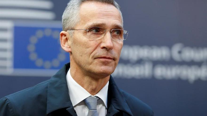 Una intervención militar de la OTAN en Siria empeoraría la situación, según Stoltenberg