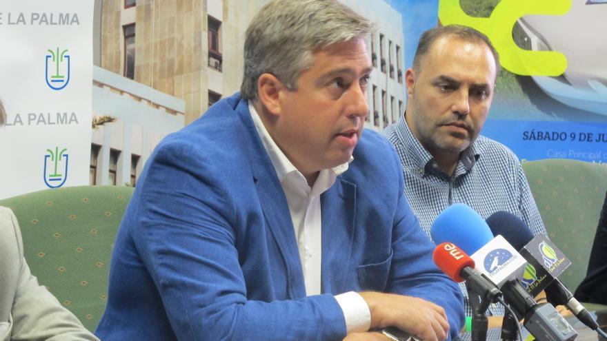 Jorge González (i) y Javier Camacho en la rueda de prensa.