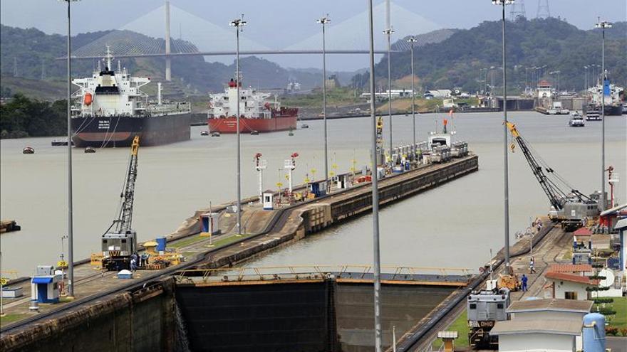 Martinelli exige al consorcio cumplir el contrato de ampliación del Canal de Panamá