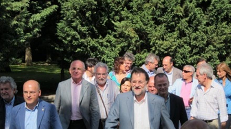 Mariano Rajoy Participa En Un Acto De Precampaña En Ourense Acompañado Por Manue