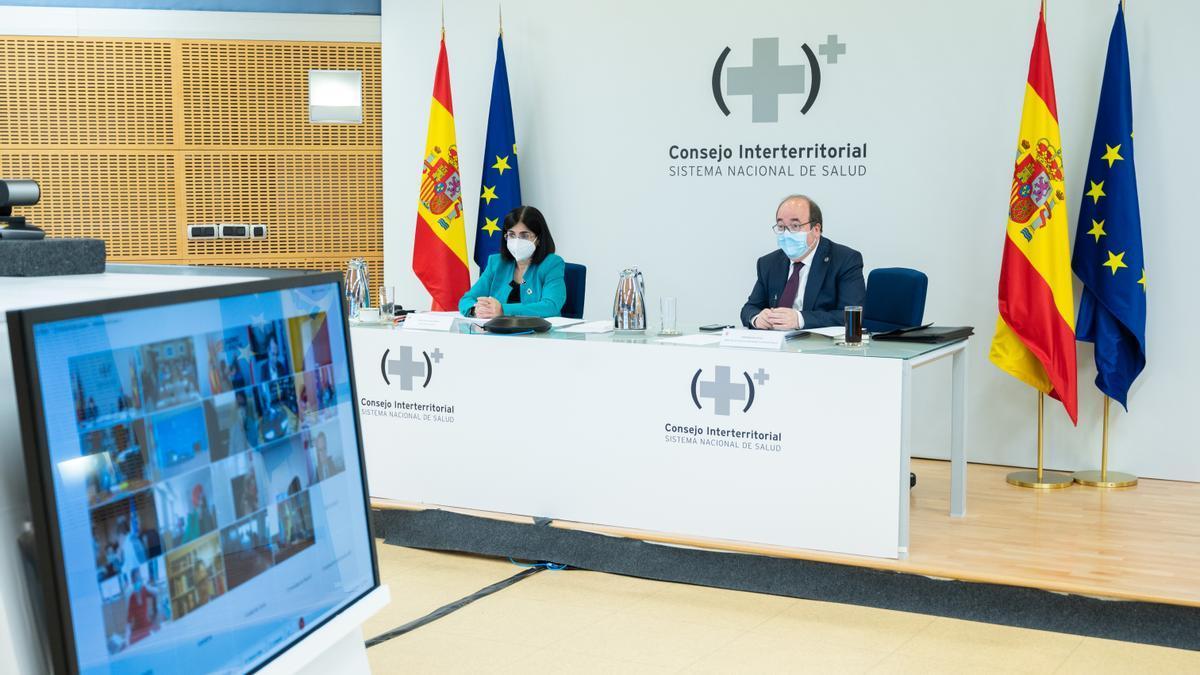 La ministra Carolina Darias y el ministro Miquel Iceta, en el Consejo Interterritorial de este miércoles.