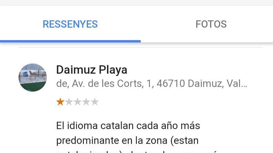 Queja de un usuario de Google sobre el uso del valenciano en las playas valencianas