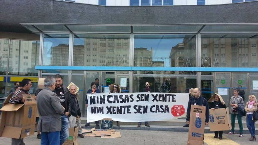 Concentración de Stop Desafiuzamentos en A Coruña