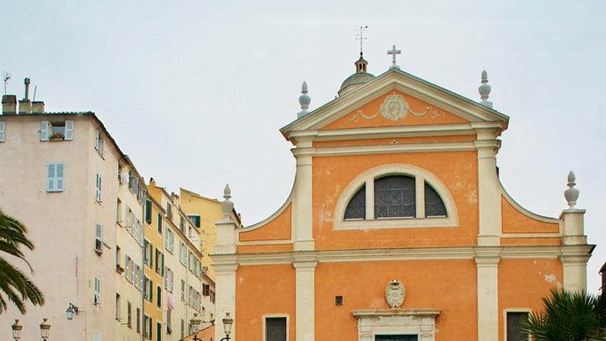 Catedral de Ajaccio; aquí bautizaron a Napoleón. JeanbaptisteM